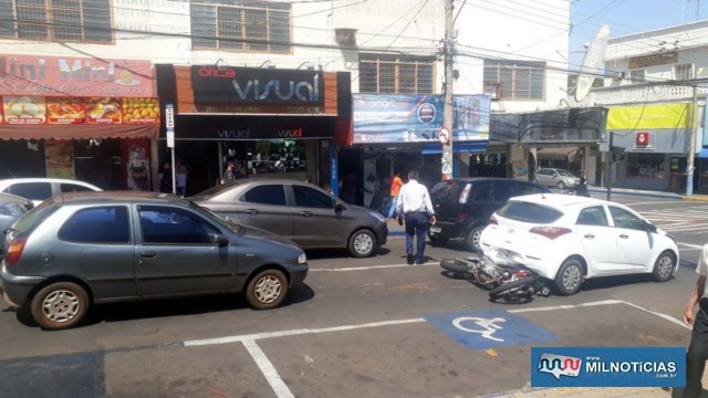 Triplo acidente foi registrado no cruzamento da rua Paes Leme com Av. Barão do Rio Branco, centro. FOTO: MANOEL MESSIAS/Agência