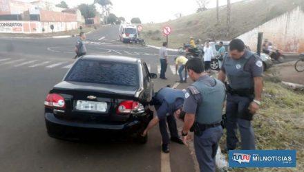 GM Corsa teve a traseira esquerda bastante danificada no acidente. Foto: MANOEL MESSIAS/Agência