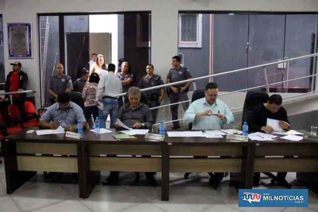 Vereadores e a Mesa diretora da Câmara prometeram interagir para levar as reivindicações. Foto: MANOEL MESSIAS/Agência