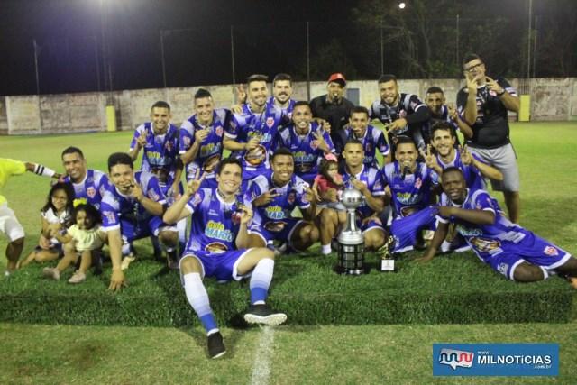 Explosão de alegria dos jogadores e comissão técnica do Audax após entrega da premiação. Foto: MANOEL MESSIAS/Agência