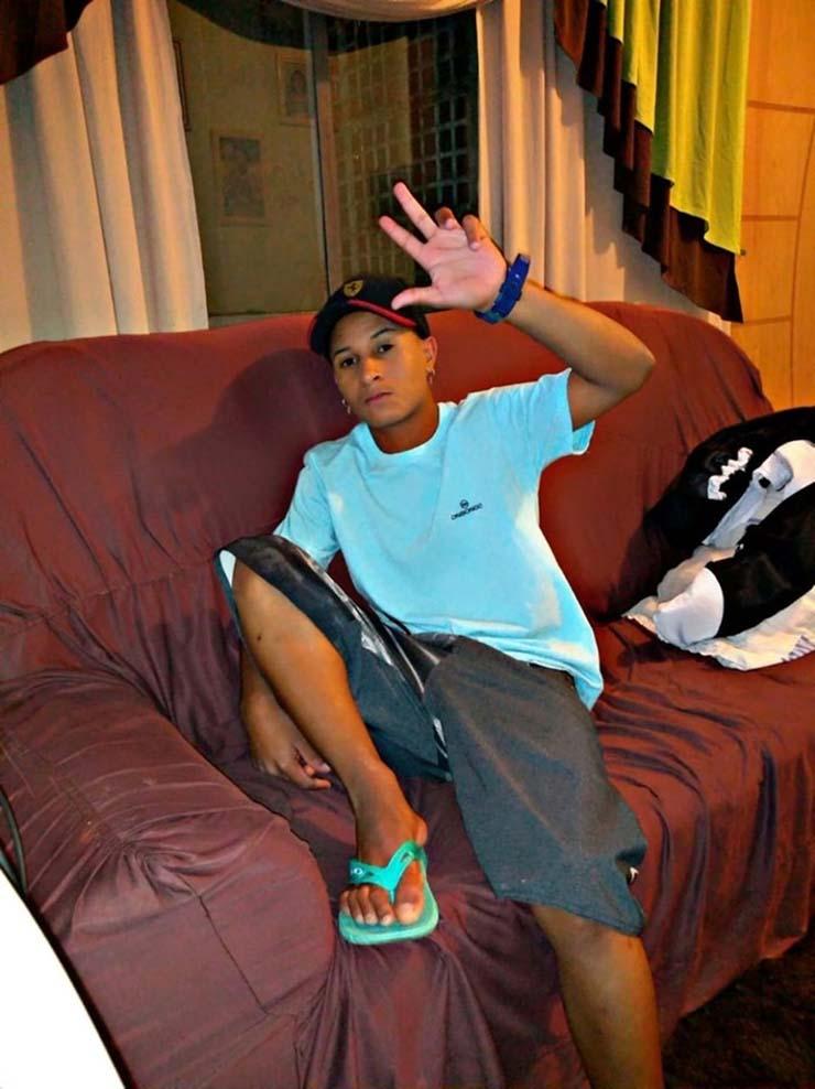 Adolescente de 15 anos foi morto após apontar arma para PM em Bauru — Foto: Facebook/ reprodução.