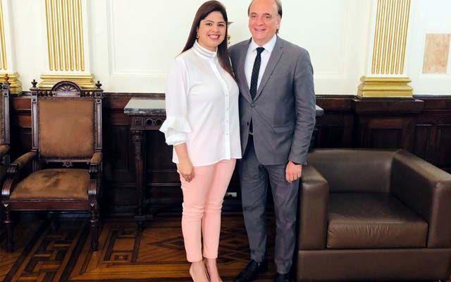 Convênio assinado pela Prefeita Thauana Duarte vai beneficiar toda a população. Foto: Assessoria de Comunicação
