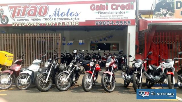 Motocicleta Titan FAN 125cc, na cor vermelha, placa ESD – 0998 (Andradina/SP), foi furtada enquanto estava em exposição. Foto: MANOEL MESSIAS/Agência