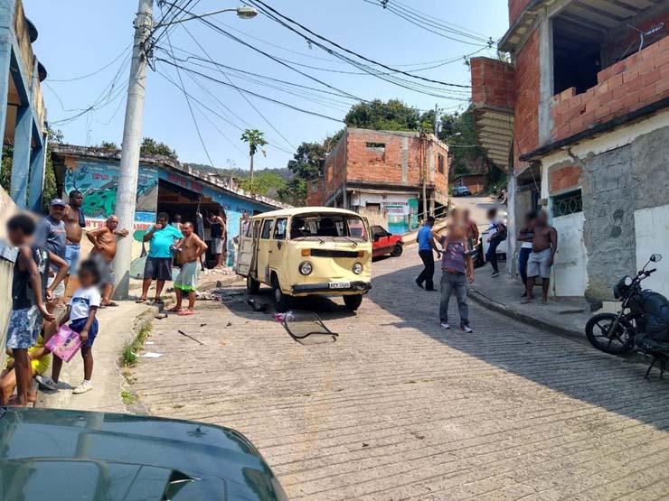 Acidente com van, kombi e carro deixou feridos no Andaraí — Foto: Reprodução/Redes Sociais.