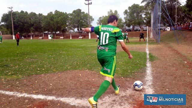 Partida entre Guarani (verde) e Limpadora Max (branco e preto), terminou empatada em dois gols. Fotos: MANOEL MESSIAS/Agência