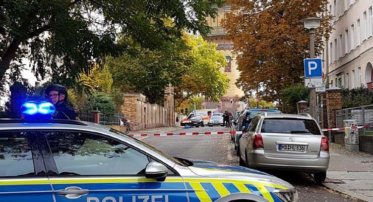 Polícia isola área onde aconteceu tiroteio na cidade de Halle, na Alemanha, em 9 de outubro de 2019 — Foto: Marvin Gaul/Reuters.