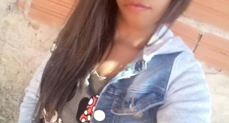 Jovem de 20 anos foi morta degolada com uma faca em Bauru — Foto: Facebook/ reprodução.