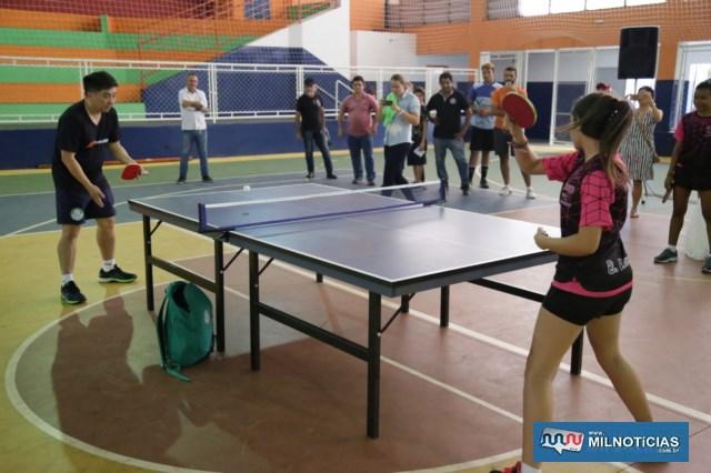 """O astro esportivo esteve no gabinete da Prefeitura e depois realizou """"Caravana Move"""". Fotos: Secom/Prefeitura"""