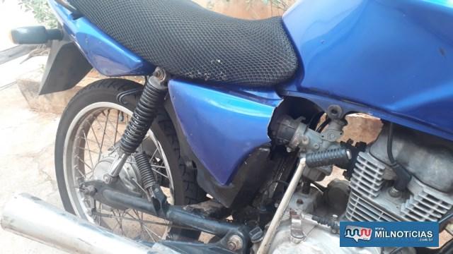 Motocicleta pilotada pela vítima prejuízos materiais, principalmente do seu lado direito; Foto: MANOEL MESSIAS/Agência