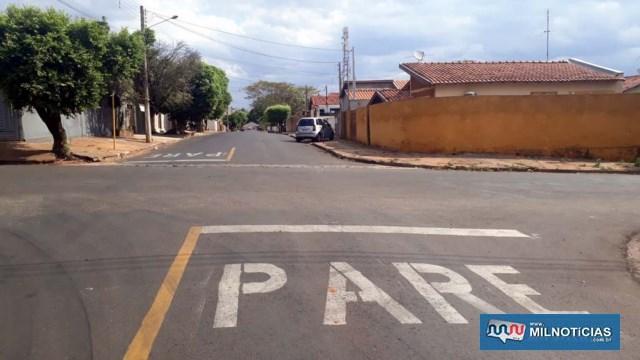 Motorista da Hillux seguia pela rua Pereira Barreto, sentido Vila Mineira/centro, mesmo caminho da vítima e não parou, batendo na traseira da moto dela. Foto: MANOEL MESSIAS/Agência