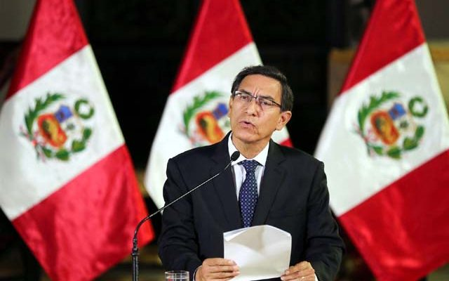 Presidente do Peru, Martín Vizcarra, anuncia fechamento do Congresso e convocação de novas eleições — Foto: Peruvian Presidency/Handout via Reuters