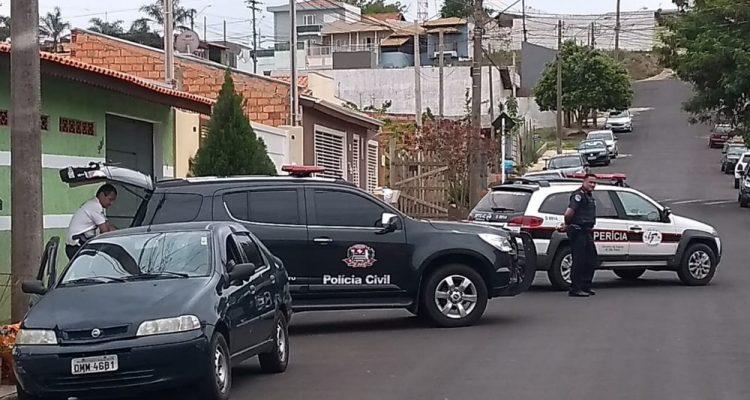 Polícia faz reconstituição do caso do policial aposentado que foi encontrado morto em Botucatu — Foto: Polícia Civil/Divulgação.