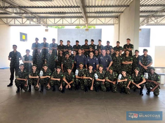 Atiradores conheceram as diversas modalidades do policiamento exercidas na cidade de Andradina e região. Fotos: DIVULGAÇÃO/PM