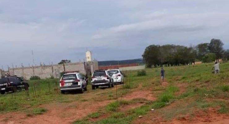 Polícia encontrou corpo em uma quadra de esporte em construção em Mineiros do Tietê — Foto: Arquivo pessoal.