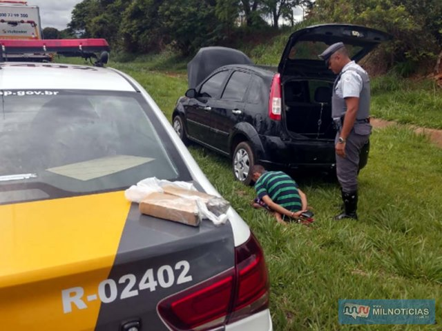 Abordagem aconteceu no KM 633 da rodovia Marechal Rondon, a 2 Km da base da Polícia rodoviária, em Andradina. Foto: DIVULGAÇÃO