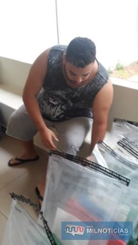 """Caminhão estava em nome de Rodrigo Braga, de 28 anos, que havia sido """"abordado"""" pelos policiais civis ainda no posto de gasolina. Foto: MANOEL MESSIAS/Agência"""