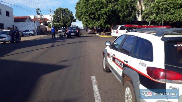 Trecho da Av. Guanabara, entre as ruas Orensy Rodrigues e Santa Terezinha, precisou ser interrompido para o socorro da vítima e trabalho da perícia. FOTO: MANOEL MESSIAS/Agência