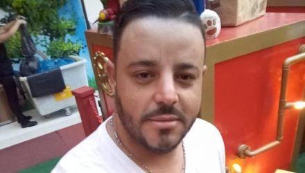 Rodrigo Santos Pires, de 32 anos, foi morto a facadas pelo enteado de 14 anos.  Foto: Reprodução/Facebook