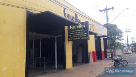 Loja de box e esquadrias de alumínio sofreu tentativa de roubo na última quinta-feira, 28. Foto: MANOEL MESSIAS/Agência