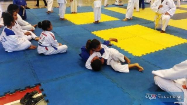 Atletas participaram do Festival de Judô Programa Atleta do Futuro no SESI em Araçatuba (SP). Foto: Secom/Prefeitura