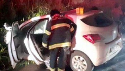 Um dos veículos era ocupado por quatro pessoas, que sofreram ferimentos de natureza leve — Foto: Polícia Rodoviária