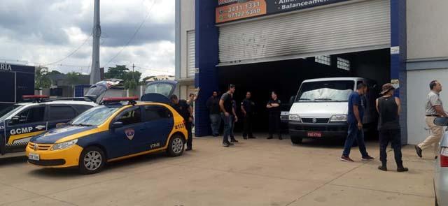 Feminicídio foi em loja de pneus na Avenida Dois Córregos, em Piracicaba — Foto: Edijan Del Santo/EPTV