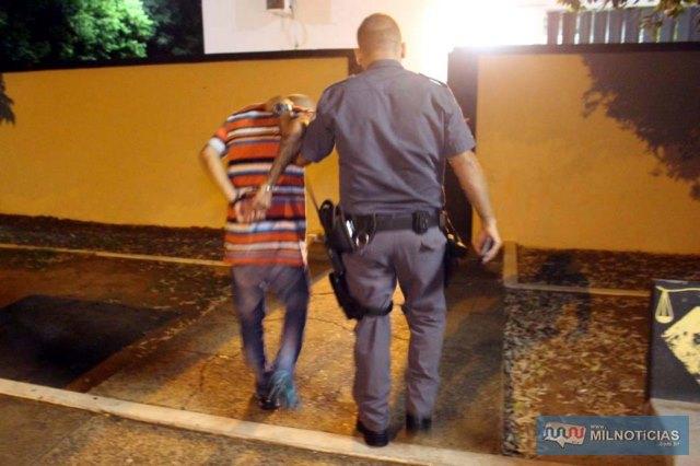 Vitor Gomes Xavier, 19 anos, desocupado, morador do bairro São Carlos, também em Três Lagoas, seguia como garupa. Foto: MANOEL MESSIAS/Agência