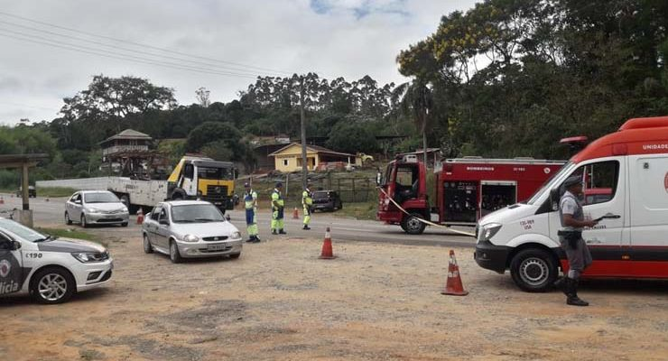 Ciclista morre em acidente na Rodovia Mogi-Bertioga — Foto: Israel de Almeida Nunes/Arquivo Pessoal.