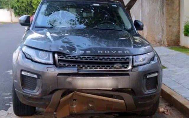 Range Rover, modelo Evoque apresentava vários amassamentos. Foto: RP10
