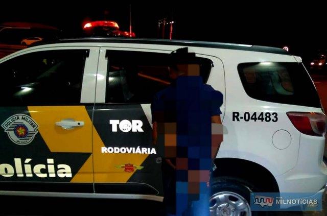 A Polícia Militar Rodoviária prendeu J. J. S., de 26 anos, acusado de latrocínio em Mirandópolis. Foto: DIVULGAÇÃO