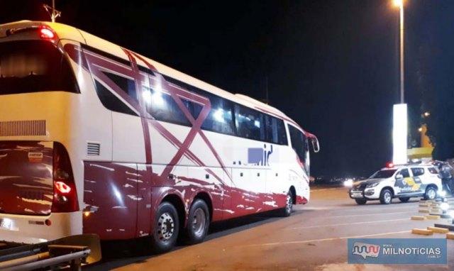 Acusado fpo preso em ônibus da Reunidas Paulistas com destino a Sumaré/SP. Foto: DIVULGAÇÃO