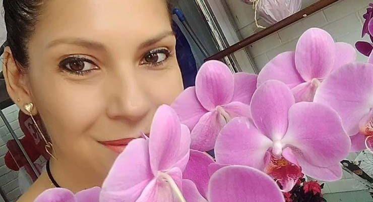 Regiane Farias trabalhava em uma floricultura — Foto: Redes sociais.