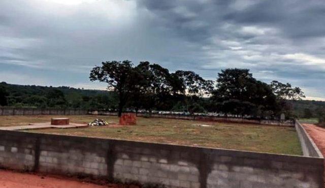 Cemitério foi inaugurado com enterro do prefeito do município. Foto: DIVULGAÇÃO