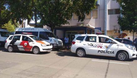 Acusados entraram pela porta da frente da Santa Casa para cometerem o crime. Foto: Divulgação