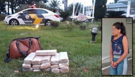 Moradora de Santa Maria/DF, foi flagrada transportando 16 tijolos de maconha quando estava em um ônibus interestadual. Foto: DIVULGAÇÃO