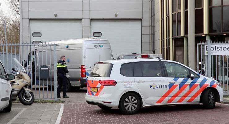 Imagem de edifício de escritórios para onde uma carta-bomba foi enviada, em Amsterdam, em 12 de fevereiro de 2020 — Foto: Lorenzo Derksen/Inter Visual Studio/Reuters.