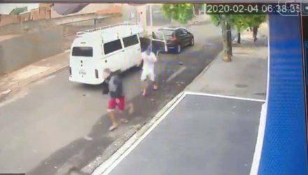 Câmera flagrou assassinato de motorista de Kombi em Bauru — Foto: Reprodução.