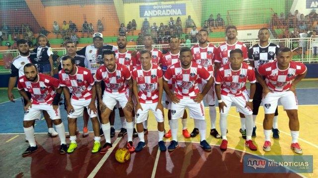 Zooi Tabacaria (vermelho e branco), não encontrou seu melhor futebol e foi eliminada da competição. Fotos: MANOEL MESSIAS/Mil Noticias