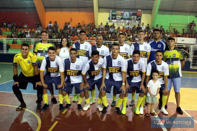 Garotada do ATC/Juventude (branco e azul), foi a grata surpresa da competição desse ano de 2020 com um futebol vibrante. Foto: MANOEL MESSIAS/Mil Noticias