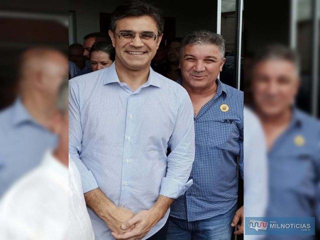 Prefeito Gilson Pimntel (dir.), com o governador em exercício, Rodrigo Garcia. Foto: Assessoria de Comunicação