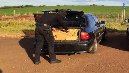 Veículo com mais de 300 kg de maconha foi apreendido em Maracaju (MS) — Foto: DOF/Divulgação.