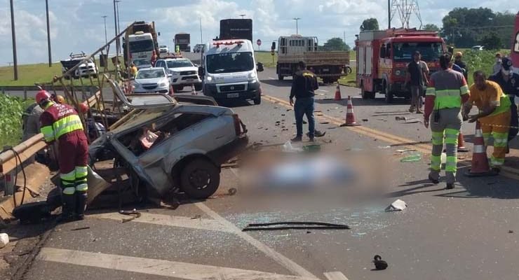 Acidente na BR-163 provocou a morte de uma pessoa na tarde desta terça-feira — Foto: Redes Sociais/Divulgação.