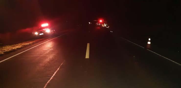 Homem que empurrava bicicleta na BR-163 morreu após ser atropelado — Foto: PRF/Divulgação.