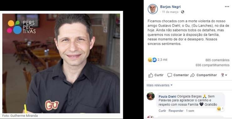 Diehl foi homenageado pelo prefeito de Piracicaba, Barjas Negri — Foto: Reprodução/ Facebook.