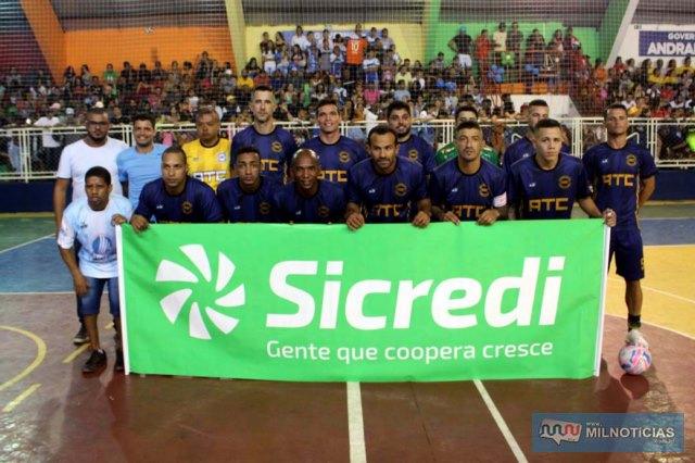 Grub/ATC/Elzinha e o Garfo, bicampeã do Futsal de Férias de Andradina. Foto: MANOEL MESSIAS/Mil Noticias