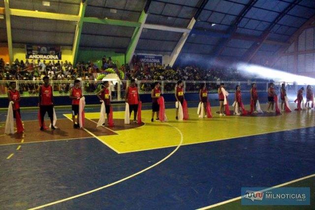 Apresentação de número de danças do Projeto Nasce (Núcleo de Atividades Sociais, Culturais e Esportivas. Foto: MANOEL MESSIAS/Mil Noticias