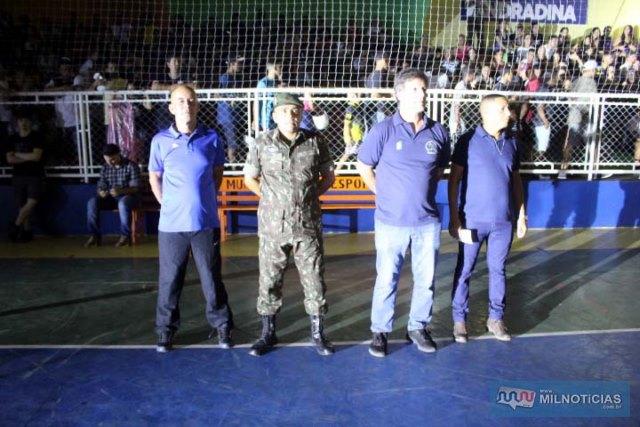 Autoridades civis e militares presentes na cerimônia de premiação aos vencedores. Foto: MANOEL MESSIAS/Mil Noticias