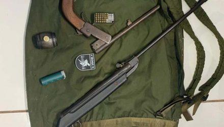 Armas apreendidas com evadido do presídio de Campo Grande — Foto: Batalhão de Choque/Divulgação.