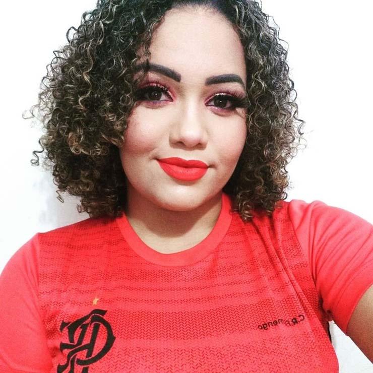 Aline Gomes Sousa, de 20 anos, foi morta pelo ex no estacionamento de um condomínio fechado em Cuiabá — Foto: Facebook/Reprodução.