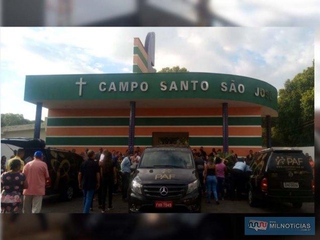 Sepultamento aconteceu no campo santo São José, em Castilho. Foto: DIVULGAÇÃO